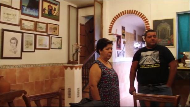 截圖自一名被驅逐者的自述短片。2013 年 2 月 8 日,他跳河自殺死亡。